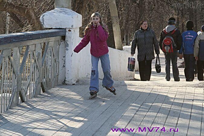 Подвесной мост над рекой Сим, город Аша, Челябинская область