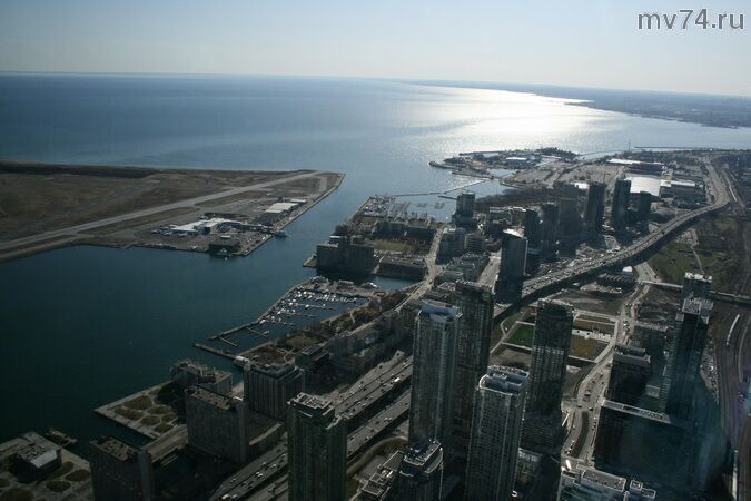 Торонто с высоты Си-Эн