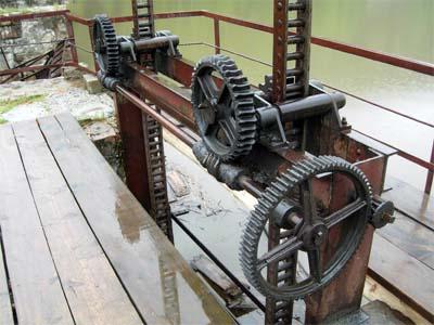 Пороги. Сатка. Гидроэлектростанция самая старая в России